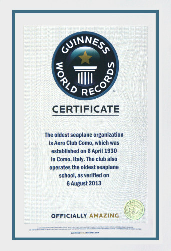 The certificate issued by Guinness World Records stating that the seaplane operation and flight school of Aero Club Como is the oldest in the world.