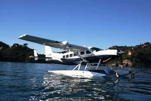 The Cessna C-208 on the water.